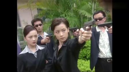 欺负女总裁,谁想人家保镖是女特种兵,直接拔枪相救!