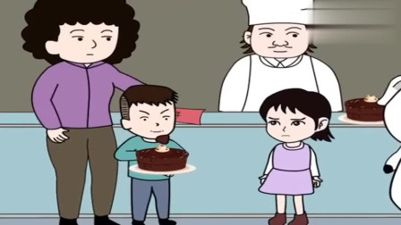 熊孩子仗着有妈妈撑腰,抢了小女孩蛋糕,猪屁登说原因出打脸妈妈