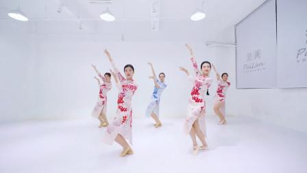 中国舞《惊鸿一面》,旗袍女子鸾歌凤舞,从此君王不早朝!