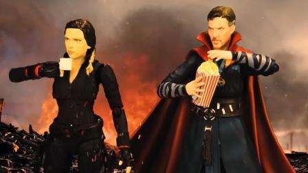 惊奇队长现身收拾灭霸,奇异博士在一旁吃爆米花开启看戏模式