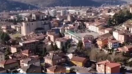 意大利一家医院太平间超负荷,当地牧师决定,一天只敲一次丧钟!