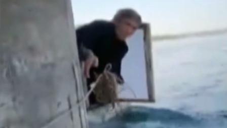 为了圆梦!大叔自制小船横渡太平洋,结果刚起航就被困在和中央