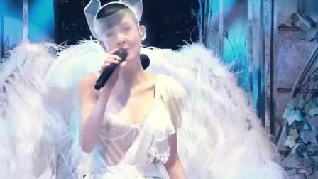 周慧敏动人演唱《最爱》,如梦如幻的演绎,让全场沉醉!