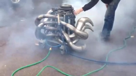 这个满身都是排气筒的发动机,大家猜猜动力会不会很强悍