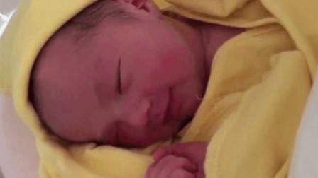 出生仅30天的宝宝,睁开眼睛的瞬间,网友直言:太漂亮了!