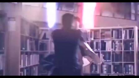 开心魔法 吴京跟吴尊的对决 玩了一把未来战士。
