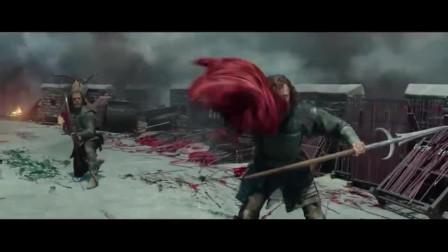 男子用红布吸引饕餮,趁着它飞扑过来,再一箭射穿它眼睛将其解决