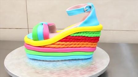 小伙用蛋糕制作高跟鞋的样子,而且还是五颜六色叠加的