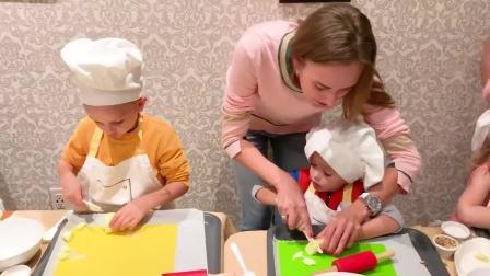 萌娃小可爱体验面包师的一天,小家伙可真努力,萌娃:好香啊
