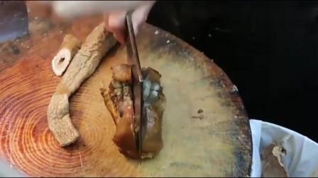 香港鸿发卤味师傅15秒刀斩招牌猪脚、猪小肠,这搭配堪称一绝!