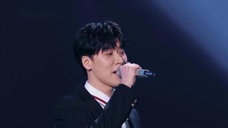 段奥娟王博文周奇三人合唱《追光者》,谁能与音乐合伙人合唱?