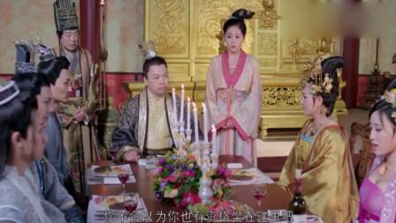 穿越女给皇上祝寿,竟做一个现代的大蛋糕,皇上吃了赞不绝口