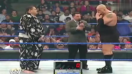 WWE:大秀哥与本日相扑选手称体重,数字一出来观众傻眼了!
