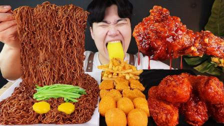 """韩国ASMR吃播:""""松露油炸酱面+辣酱炸鸡+芝士球+薯条+炸鸡块"""",听这咀嚼音,吃货小哥吃得真香"""