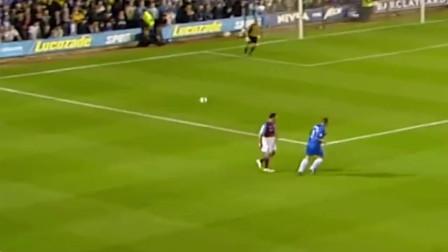 足球场上用双手进球,不亏是足球界的精英