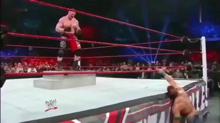 WWE布洛克把约翰塞纳激怒了,这下惨了