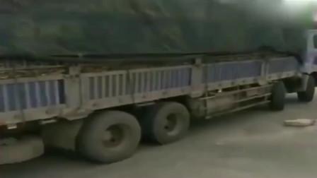 监控:广西大货车为了躲避限高,把学的所有技术都用上了,技术杠杠的
