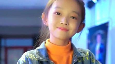 小女孩翻唱《大田后生仔》,稚嫩的童音,唱得很有感觉