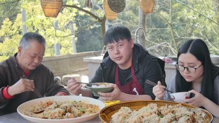 """100元排骨,配上香菇农村小哥做两锅""""糯米排骨"""",一口一块吃得过瘾"""