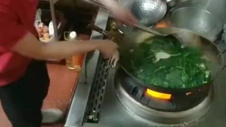 这厨师一个月六千值不值这掌勺的能力可以