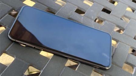 iPhone 12 Pro真机谍照流出?没有刘海设计太特别