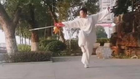 韶关市2020年3月29日,个人习练传统武术太极剑。7套剑法套路。 四十二式太极剑,三十二式太极剑 二十四式太极剑,陈氏四十九式太极剑,武当四十九式太极剑