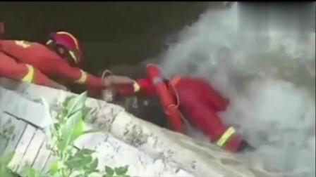 消防员是在用生命救援啊!