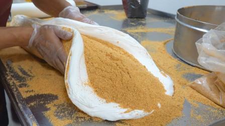 小伙开店卖花生麦芽糖,每天只做200斤卖完就关门,老板:想吃早点来