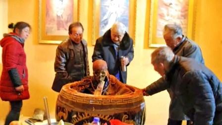 千年古寺发现神秘地宫,内有一高僧枯坐其中,专家:疑似日本人