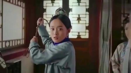 如懿传:如懿刚进冷宫,就被发狂的玫贵妃狠狠抽打,太令人心疼了!