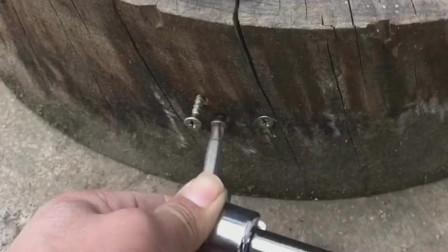 四川小伙这个发明绝了,犄角旮旯你的钉子都可以搞定,实在是太方便了!