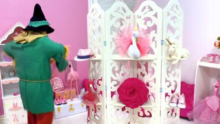 萌娃小可爱在超市的大冒险,这里有好多玩具,萌娃:好像要啊