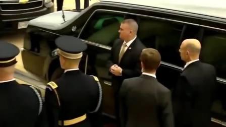 特朗普的车队到达五角大楼后半天不下车,不给国防部长面子