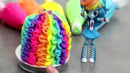 江西九江的师父制作的彩色公主蛋糕,看着就很可爱