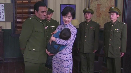 伏弩:徐曼,军统军官利用她的孩子要挟徐曼,刺金浩