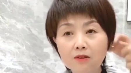 山东大姐:50岁了还留着一头长发,当理发师剪短后,立马变得时尚又年轻!