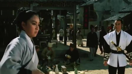 姑娘偷了武林第二高手的兵器到他家去卖,高手为面子不敢说破