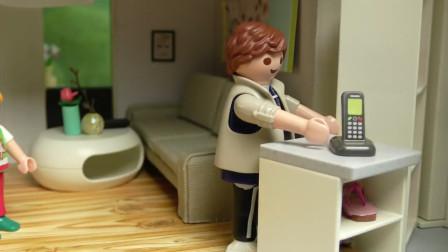 卡通益智玩具故事:小正太发现神秘电话,隐藏着什么秘密惊喜呢?