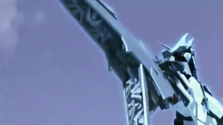 戴拿奥特曼对战宇宙最强机器人 使出的技能拥抱太阳!