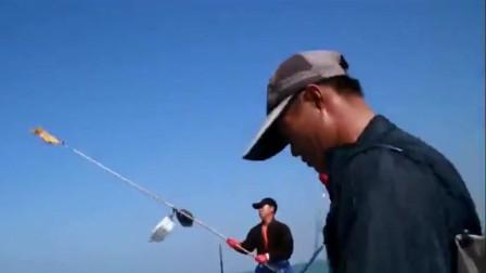 渔民出海捕鱼最怕遇到这种情况,多年心血毁于一旦