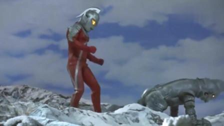 奥特曼:胶囊怪兽跟个傻子似的