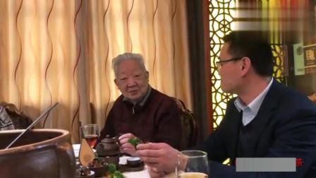 """寻味武汉:普洱烧排骨,厨师烧菜的""""新奇特"""""""