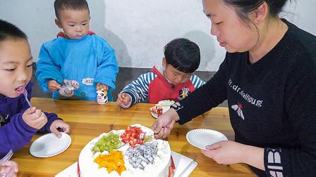 农村宝宝过生日,一个蛋糕就满足,简单的饭菜,孩子开心最重要
