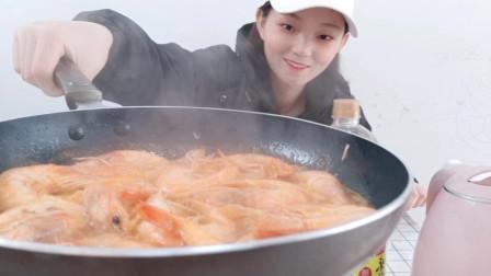 老幼皆宜的番茄沙司大虾,做法超级简单,连汤汁都不剩的