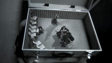 男子买到奇怪箱子,没想到里面装的,竟是30秒后的未来世界