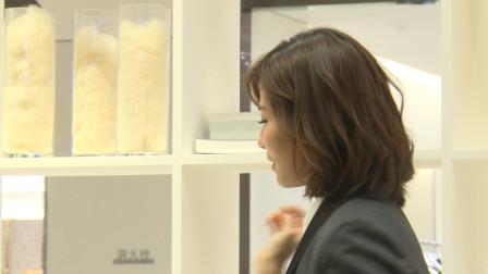 刘涛参加商业活动,近距离拍摄