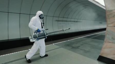 新冠疫情下,莫斯科地铁站实施消杀工作,360度无死角!