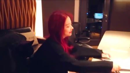火箭少女101紫宁:听说有人想看我在录音室的状态