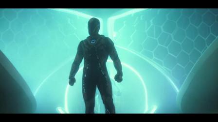 美国小伙获得外星力量,与外星人合体变成超级英雄,拯救世界