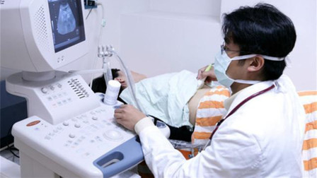 孕妇做B超时,为何要在肚子上涂层透明胶体?看完恍然大悟